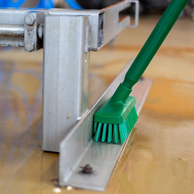 28/70422 wall scrub 225mm use